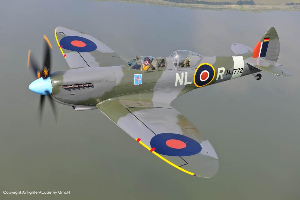 SpitfireT9_D-FMKN_a2a_3.jpg