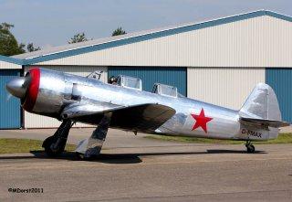 Yak-11_D-FMAX_2011-07-2917a.jpg